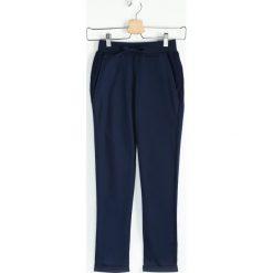 Chinosy chłopięce: Granatowe Spodnie Dresowe Minor