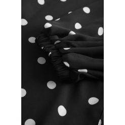 Bluzki asymetryczne: Bluzka w grochy z luźnymi rękawami