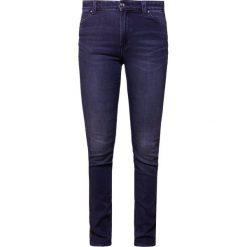 Emporio Armani Jeans Skinny Fit mid blue. Niebieskie jeansy damskie marki Emporio Armani, z bawełny. W wyprzedaży za 389,50 zł.