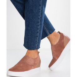Trampki damskie slip on: Shoe The Bear LISA Tenisówki i Trampki dark blush