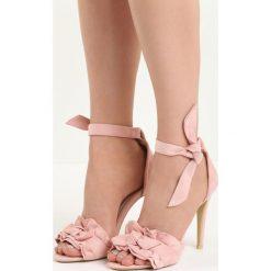 Różowe Sandały Spring Trip. Czerwone sandały damskie Born2be, z materiału, na wysokim obcasie, na obcasie. Za 69,99 zł.