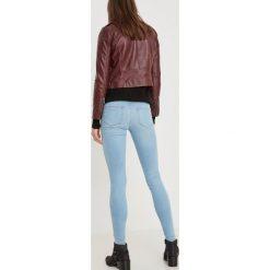 Vero Moda LUX NW Jeansy Slim Fit medium blue denim. Niebieskie rurki damskie Vero Moda. Za 259,00 zł.