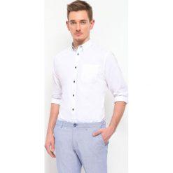 KOSZULA DŁUGI RĘKAW MĘSKA REGULAR FIT. Białe koszule męskie marki bonprix, z klasycznym kołnierzykiem. Za 59,99 zł.