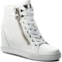 Sneakersy GUESS - Foresst FLFOR1 FAL12  WHIWH. Białe sneakersy damskie Guess, z materiału. W wyprzedaży za 339,00 zł.