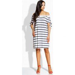 Sukienki: Zwiewna sukienka z odkrytymi ramionami granatowy-biały