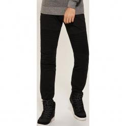 Spodnie skinny - Czarny. Czarne rurki męskie House. Za 119,99 zł.