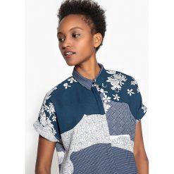 Bluzki damskie: Bluzka wzorzysta, krótki rękaw