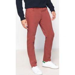 Rurki męskie: Spodnie, krój slim
