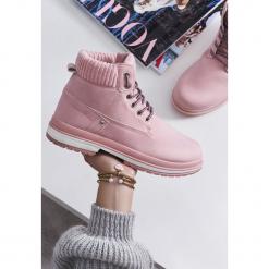 Różowe Traperki Trowth. Czerwone buty zimowe damskie Born2be, z materiału, z okrągłym noskiem, na płaskiej podeszwie. Za 79,99 zł.