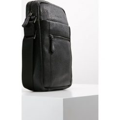 Bugatti CITTA SHOULDER BAG Torba na ramię schwarz. Czarne torby na ramię męskie Bugatti, na ramię, małe. Za 629,00 zł.