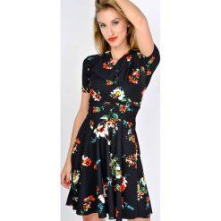 Sukienki: Sukienka w polne kwiaty
