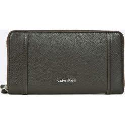 Portfele damskie: Calvin Klein Jeans – Portfel