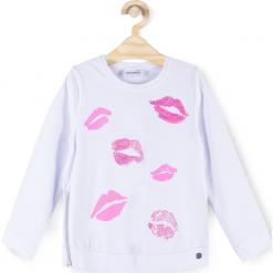Koszulka. Białe bluzki dziewczęce bawełniane marki LIPS, z aplikacjami, z długim rękawem. Za 39,90 zł.
