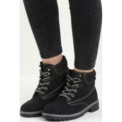 Czarno-Szare Traperki Riverdale. Czerwone buty zimowe damskie marki Reserved, na niskim obcasie. Za 99,99 zł.