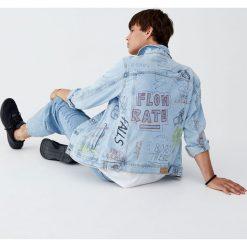 Ręcznie malowana kurtka jeansowa. Niebieskie kurtki męskie jeansowe marki Reserved, l. Za 159,00 zł.