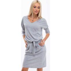 Jasnoszara Sukienka Wiązana w Talii 9729. Szare sukienki Fasardi, l, oversize. Za 59,00 zł.