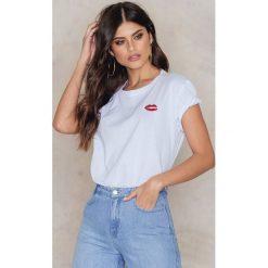 T-shirty damskie: Kristin Sundberg for NA-KD T-shirt Red Lips – White