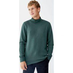 Bluza basic z półgolfem. Zielone bluzy męskie rozpinane Pull&Bear, m. Za 69,90 zł.