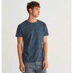T-shirt z nadrukiem - Granatowy. Niebieskie t-shirty męskie z nadrukiem Reserved, l. Za 49,99 zł.