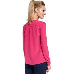 ABRIL Bluzka z zakładką przy szyi - różowa. Czerwone bluzki longsleeves Moe, z tkaniny, biznesowe. Za 109,99 zł.