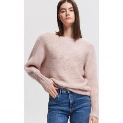 Sweter nietoperz - Różowy. Czerwone swetry klasyczne damskie Reserved, l. Za 139,99 zł.