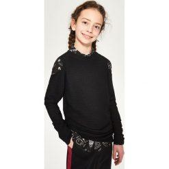 Sweter z odkrytymi ramionami - Czarny. Czarne swetry klasyczne damskie Reserved. Za 69,99 zł.