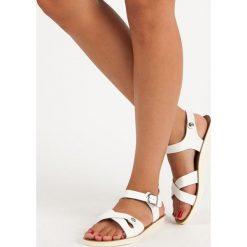 Sandały damskie: DORBETA białe sandały na sprzączkę białe