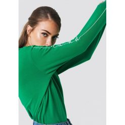 NA-KD Bluza dresowa - Green. Niebieskie bluzy z nadrukiem damskie marki NA-KD, z satyny. Za 121,95 zł.