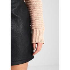 Swetry klasyczne damskie: Topshop Petite DETAIL Sweter nude