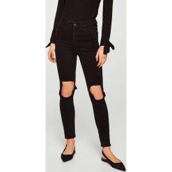 Mango - Jeansy Soho. Czarne jeansy damskie rurki Mango, z aplikacjami, z bawełny, z podwyższonym stanem. Za 139,90 zł.