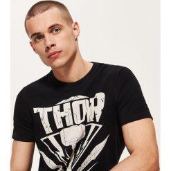 T-shirty męskie z nadrukiem: T-shirt z nadrukiem thor – Czarny