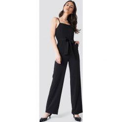 Kombinezony damskie: Trendyol Kombinezon z cienkimi ramiączkami – Black