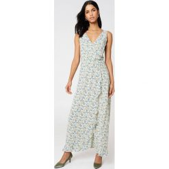 Samsoe & Samsoe Długa sukienka Limon Aop - Multicolor. Szare długie sukienki marki Samsøe & Samsøe, z kopertowym dekoltem, z długim rękawem, kopertowe. W wyprzedaży za 243,18 zł.