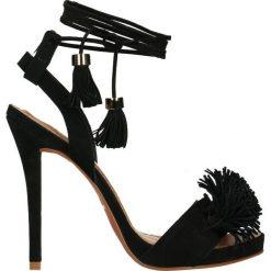 Sandały. Szare sandały damskie marki Gino Rossi, z gumy. Za 159,90 zł.