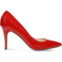 Czółenka SAVONA. Czerwone buty ślubne damskie Gino Rossi, z lakierowanej skóry, ze szpiczastym noskiem, na wysokim obcasie, na szpilce. Za 179,90 zł.