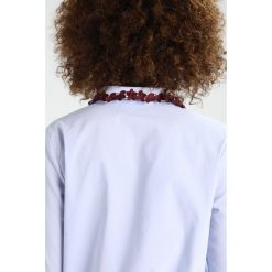 Koszule wiązane damskie: Kookai Koszula light blue with bordeaux