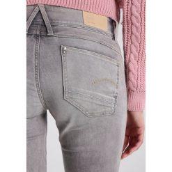GStar LYNN MID SKINNY Jeans Skinny Fit kamden grey superstretch. Szare jeansy damskie marki G-Star. W wyprzedaży za 395,85 zł.