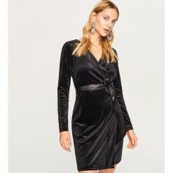 Aksamitna sukienka - Czarny. Czarne sukienki marki Reserved, l. Za 119,99 zł.