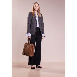 Shopper bag damskie: Coccinelle CELENE SHOPPER GRANA Torba na zakupy brule/coquelico