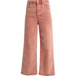 Free People WALES WIDE LEG Jeansy Straight Leg terracotta. Pomarańczowe boyfriendy damskie Free People. Za 409,00 zł.