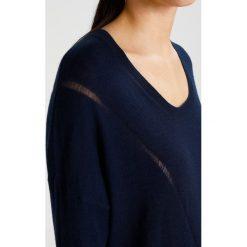 Swetry klasyczne damskie: Sisley Sweter navy