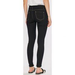 Answear - Jeansy. Czarne jeansy damskie rurki marki ANSWEAR, z bawełny. W wyprzedaży za 59,90 zł.