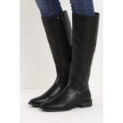 Czarne Kozaki Huge Jokes. Czarne buty zimowe damskie marki Born2be, z materiału, z okrągłym noskiem, na obcasie. Za 89,99 zł.