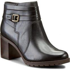 Botki CLARKS - Malvet Maria 261204884 Black Leather. Czarne botki damskie na zamek marki Clarks, na jesień, ze skóry, na obcasie, z paskami. W wyprzedaży za 339,00 zł.
