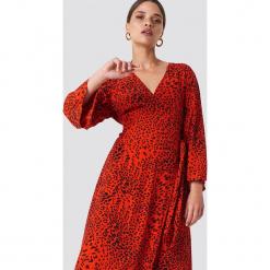 Gestuz Sukienka Loui - Red. Zielone długie sukienki marki Emilie Briting x NA-KD, l. Za 688,95 zł.