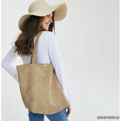 Zamszowa torba - shopper camel. Brązowe shopper bag damskie marki Pakamera, z bawełny, na ramię, zamszowe. Za 139,00 zł.