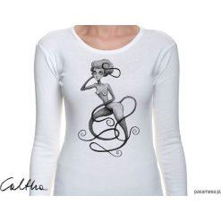 Wężowa - damska koszulka z długim rękawem. Białe bluzki damskie Pakamera, z długim rękawem. Za 79,00 zł.