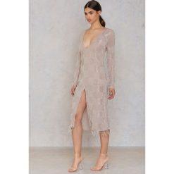 Sukienki hiszpanki: True Decadence Sukienka z dekoltem - Beige,Nude,Silver