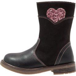 Friboo Kozaki black. Czerwone buty zimowe damskie marki Friboo, z materiału. W wyprzedaży za 135,20 zł.