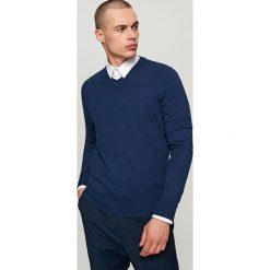 Gładki sweter - Granatowy. Niebieskie swetry klasyczne męskie marki Reserved, l. W wyprzedaży za 59,99 zł.